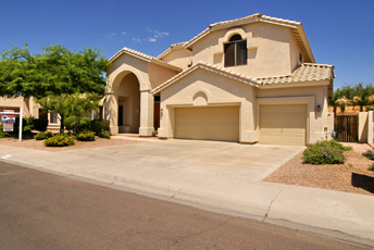 5 bed plus Den - Huge house with pool for rent in Scottsdale